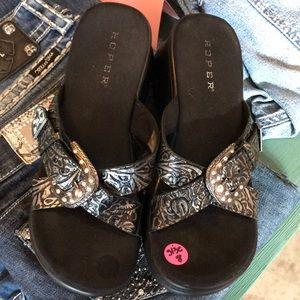 Roper Wedge Sandals 👡